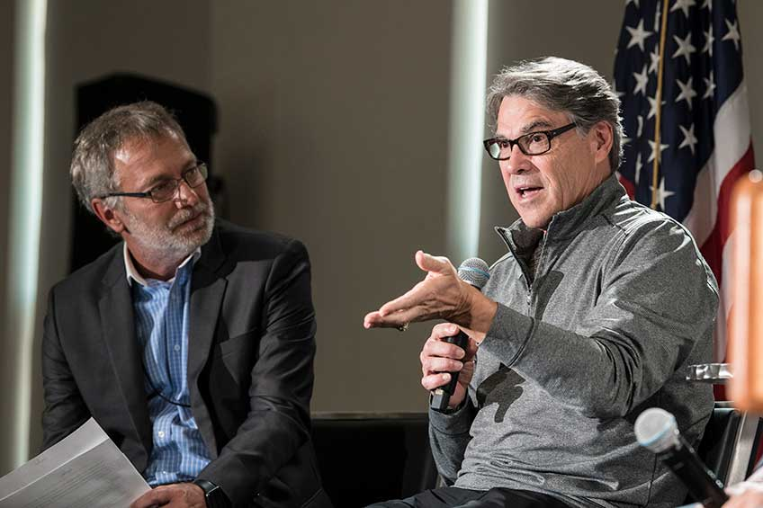 Energy Secretary Perry Digs into Research at NREL, Emphasizes Importance of Partnerships
