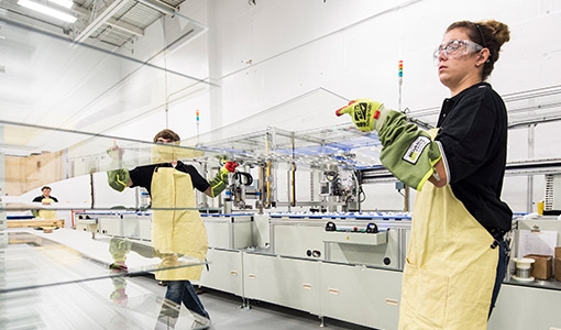 NREL, First Solar Celebrate Nearly 30 Years of Collaboration on Cadmium Telluride Solar Cell Research