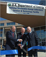 Photo of Congressman Bob Beauprez, Energy Secretary Samuel Bodman and U.S. Senator Ken Salazar at ribbon cutting.