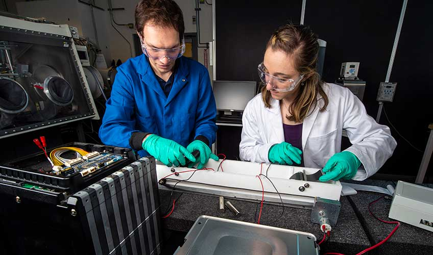 Small-Scale Images May Hold the Key to Large-Scale Lithium-Ion Battery Recycling